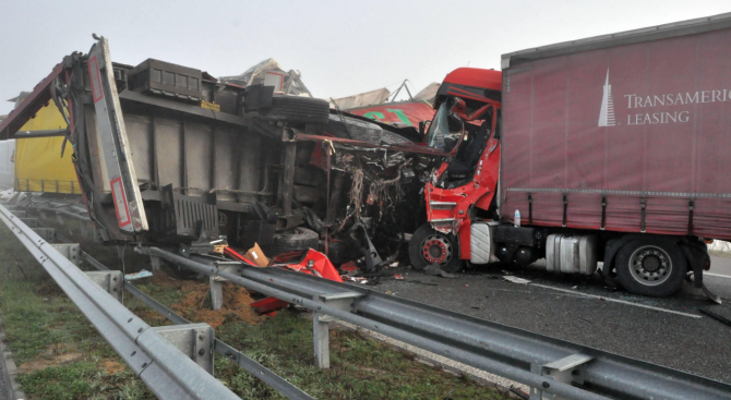 "Тежка верижна катастрофа на магистрала ""Марица"", има загинал"