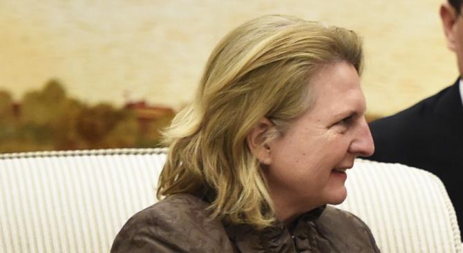 Бивш министър се оплака от домашно насилие