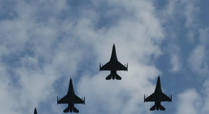 Обявен бе договорът за производство на самолетите F-16 за българските ВВС