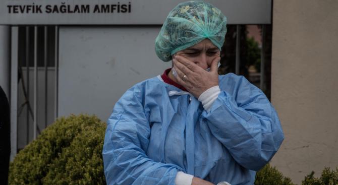 Броят на смъртните случаи от новия коронавирус в Турция нарасна