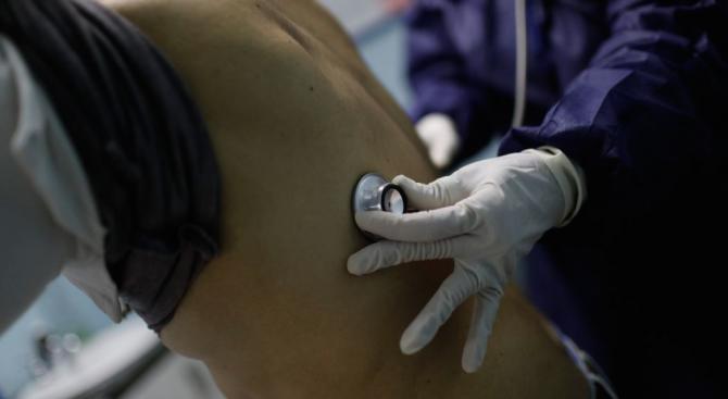 44-годишен мъж с положителна проба за коронавирус е настанен в