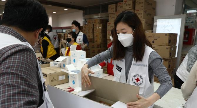 Южна Корея удължава с още две седмици мерките за социална дистанция