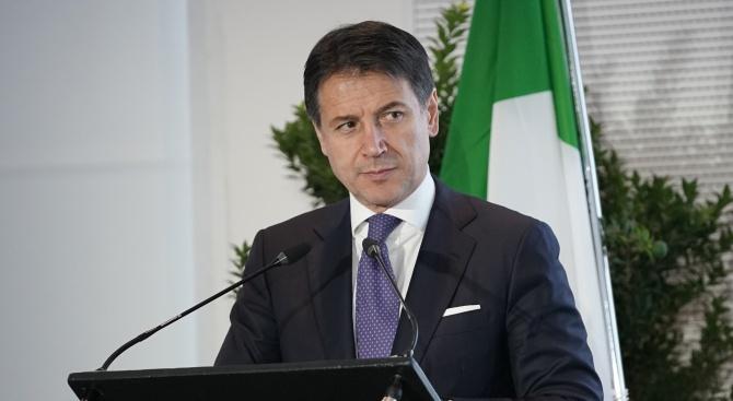 Полицай от ескорта на италианския премиер Конте почина след зараза с коронавируса