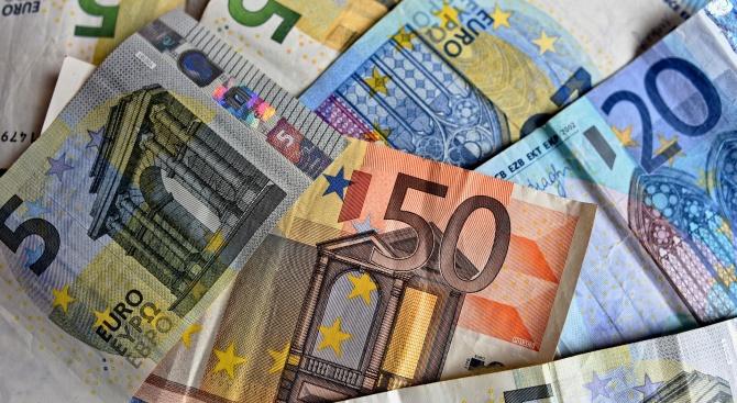 Председателят на Еврогрупата Мариу Сентену заяви, че ще бъде задействана