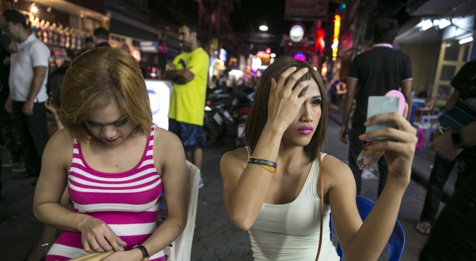 Kоронавирусът удари бизнеса на тайландските проститутки