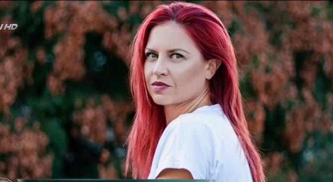 Пепа Манева: Знаете ли как живее семейство на артисти в България?