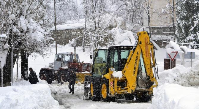 Рудозем обяви бедствено положение заради снега