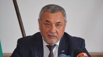 Валери Симеонов  за генериците:  Българите трябва да имат избор