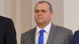 Искрен Веселинов обяви кога ще е ясно има ли още заразени с COVID-19 депутати