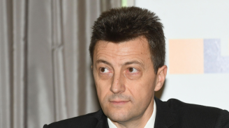 Петър Андронов: Отсрочването ще важи за всички видове кредити