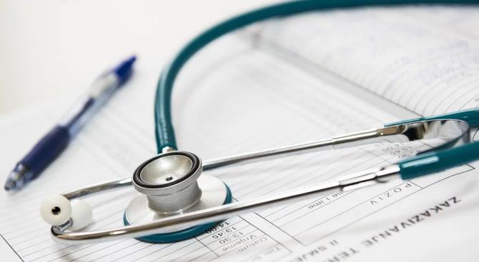 Пациент на 69 години, излекуван от коронавирус, изписват днес от