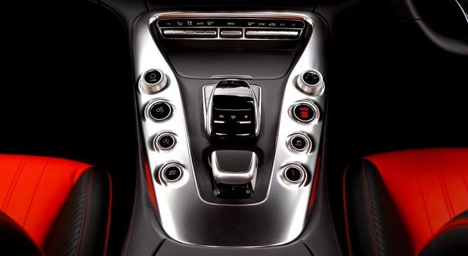 Асоциацията на производителите и търговците на автомобили във Великобритания понижи