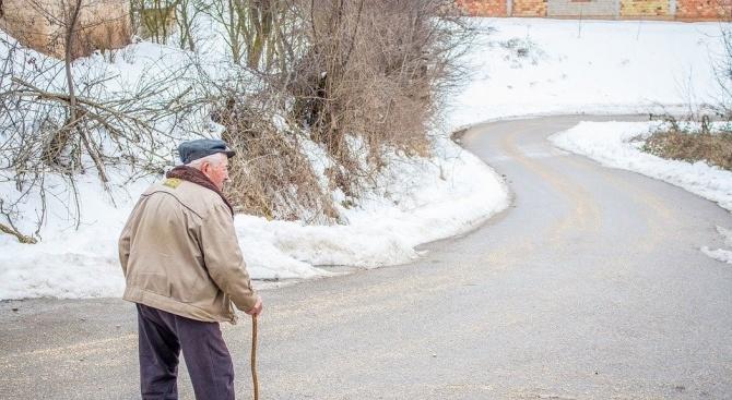"""Банките и пощите в Ловеч да осигуряват """"зелен коридор"""" за"""