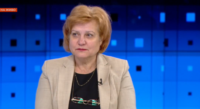 Менда Стоянова: Не можем да пуснем печатницата и да раздаваме пари като Тръмп