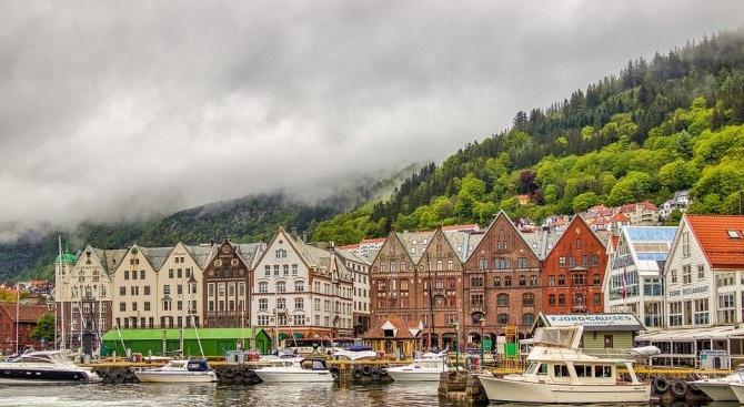 Епидемията от COVID-19 в Норвегия е под контрол, обяви здравният