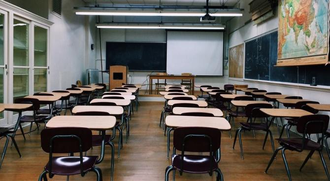 Изследване поставя под въпрос ползата от затварянето на училищата заради коронавируса