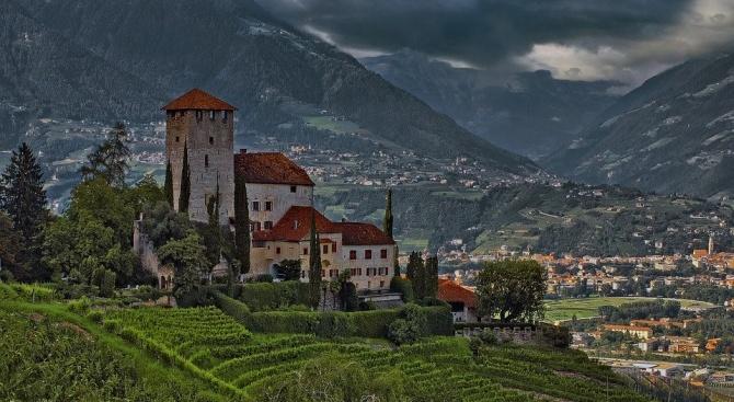 Австрийската провинция Тирол отмени карантината в населените места