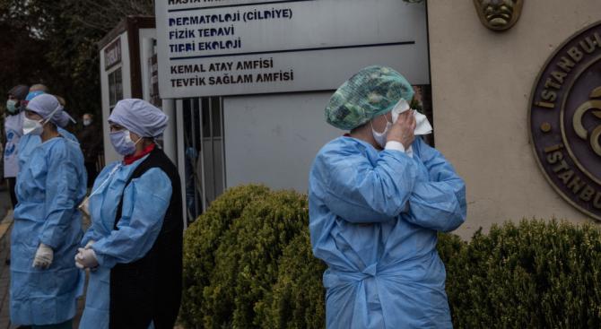 Нови 76 жертви на коронавируса в Турция
