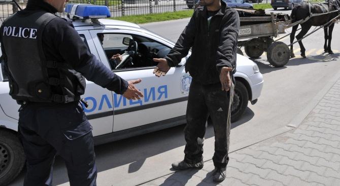 """Паяк вдигна каруцата на жител на """"Столипиново"""", искал да пали стари гуми"""