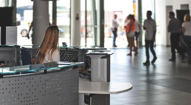 Португалските хотели освобождават 85 процента от персонала през април