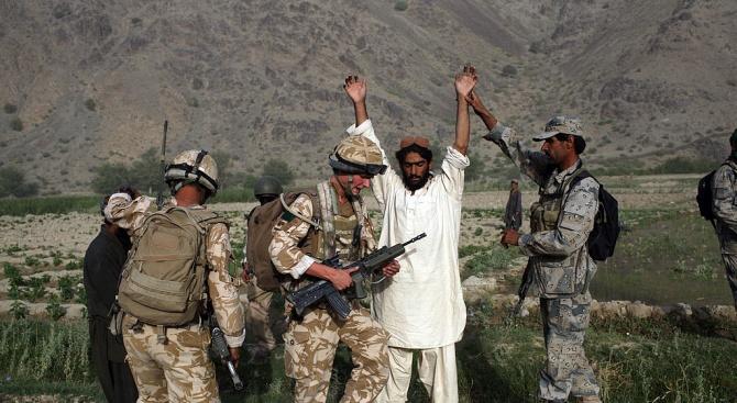 Афганистан освобождава 100 талибани от затвора