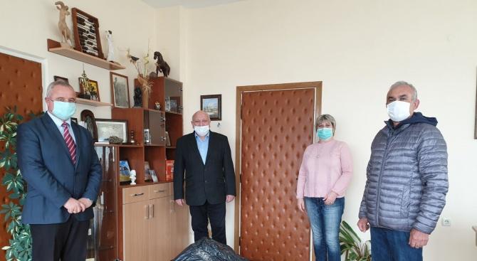Общинските съветници от ГЕРБ-Кирково дариха лични средства на Центъра за