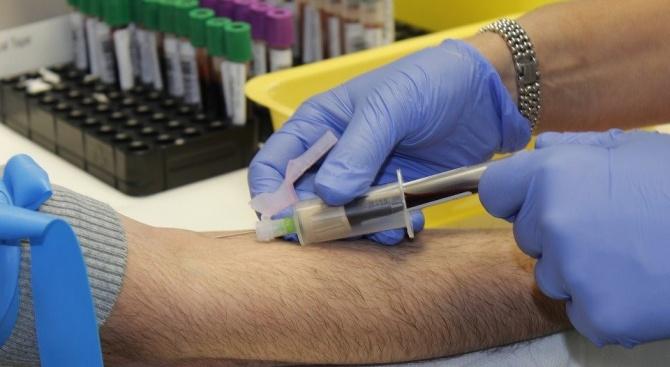 Под 550 починали от коронавируса през последното денонощие в Италия