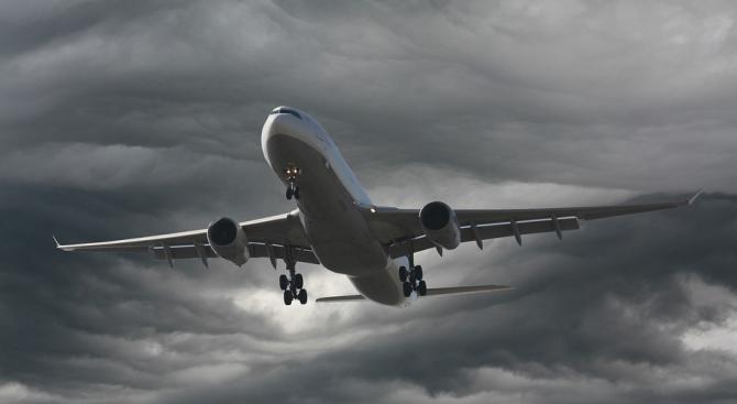 Еърбъс намалява производството на самолети заради коронавируса