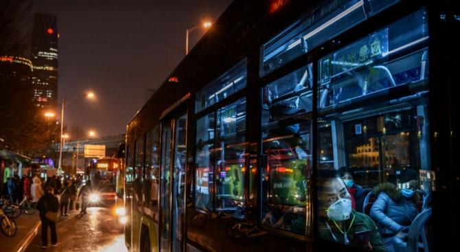 Италианка се повози 4 часа в автобус, за да убие скуката, навлече си 400 евро глоба