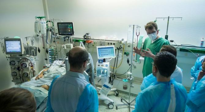 Медици за болни от COVID-19: Състоянието им се влошава безумно много и безумно бързо