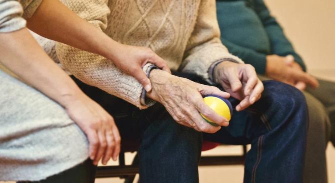 Над 100  души в старчески дом в Будапеща са заразени с коронавируса
