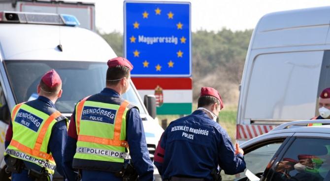 Унгария продължава националната карантина за неопределено време, обяви днес премиерът