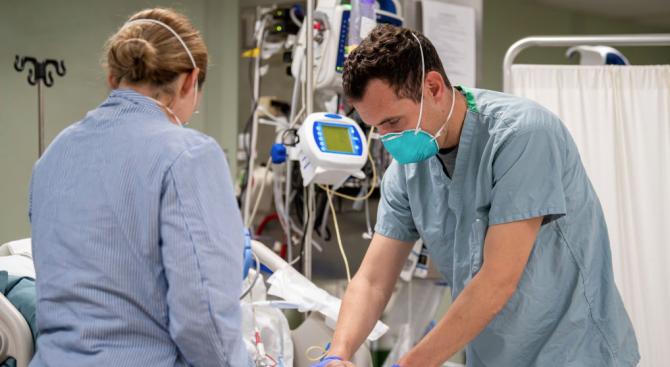 Апаратите за белодробна вентилация допринасят за смъртта на пациенти с COVID-19?