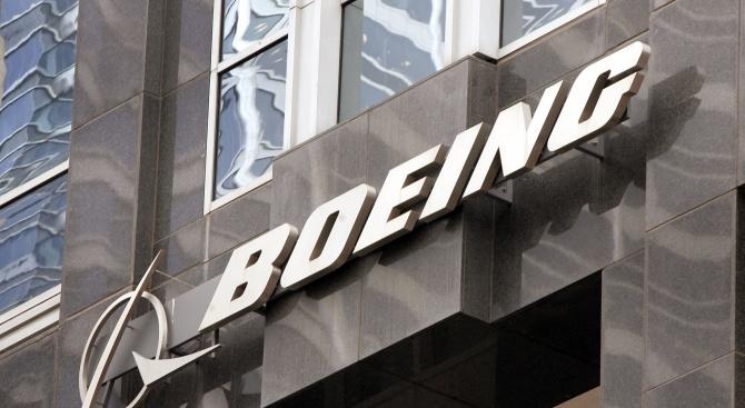 """""""Боинг"""" обмисля съкращаването на 10% от служителите си"""