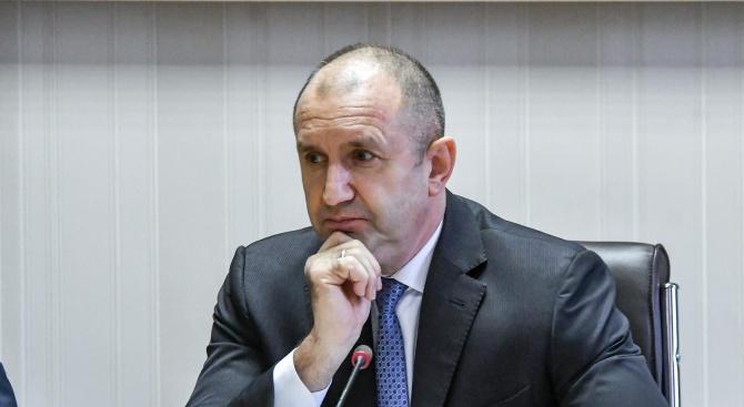 Румен Радев изрази съболезнования на семейството и близките на Вълчо Камарашев