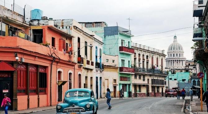 Кубинското правителство спря обществения транспорт и затвори търговските центрове в