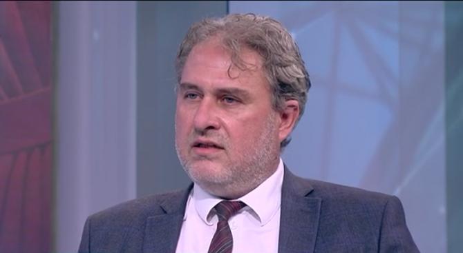Боил Банов: Ако хората продължават да излизат на разходка, ще имаме няколко хиляди мъртви