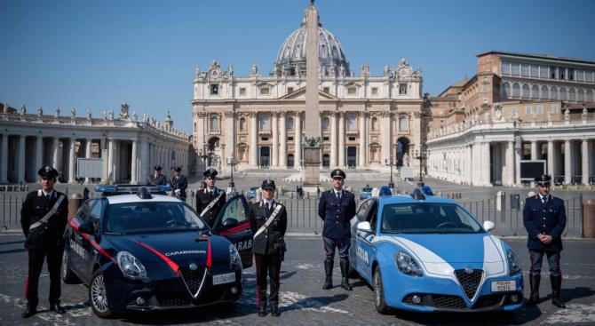 В навечерието на Великден миналата седмица италианският премиер Джузепе Конте