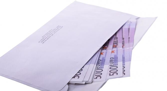 СДВР търси собственика на пари в плик с емоционално послание