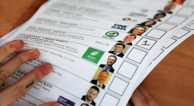 """Лидерите на съперничещите си ирландски партии """"Фина гейл"""" и """"Фина"""