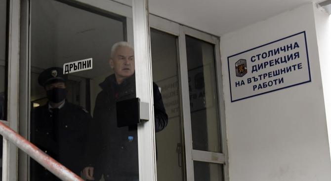Волен Сидеров се яви в сградата на СДВР, арестуваха го за 24 часа
