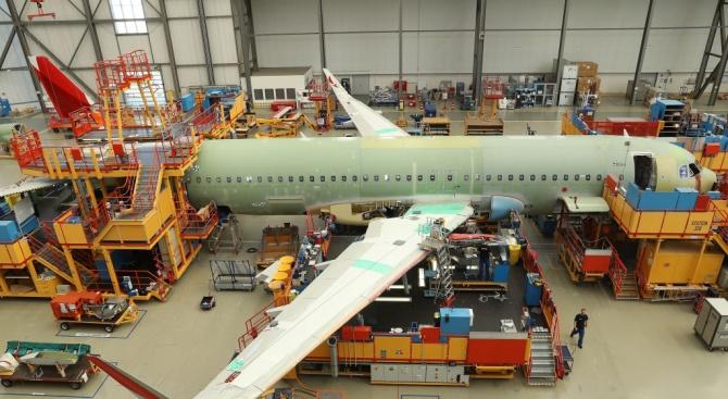 Боинг възобновява производството на самолети