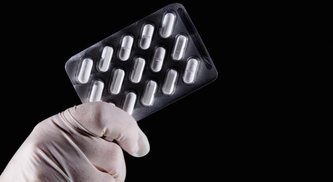 Акциите на фармацевтичната компания Gilead Sciences главоломно растат на американските