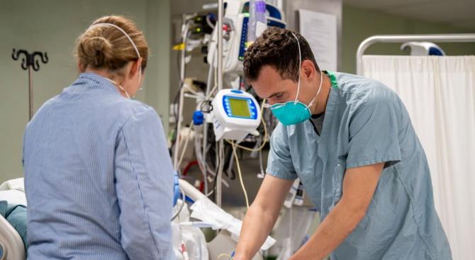 Третият пациент, заразен от COVID-19 в Ямбол, е настанен в