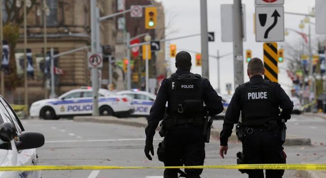 Мъж е открил стрелба по хора в Канада и полицията