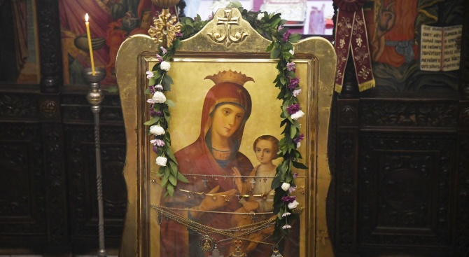 Светли вторник е! Отдаваме почит на Света Богородица