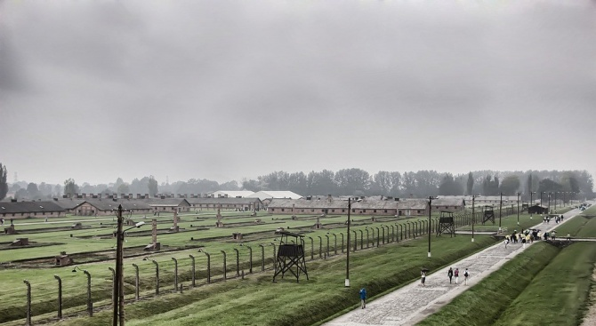 Маршът на живите в памет на загиналите в Холокоста се провежда онлайн
