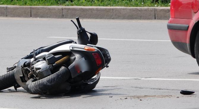 Тежка катастрофа с мотоциклетист в Бургас