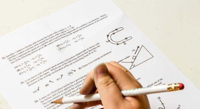 Родителите на седмокласници настояват да има допълнителни дати за външното оценяване