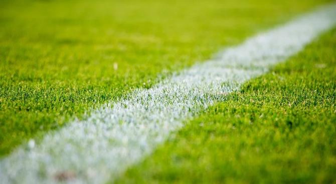 Испанският здравен министър заяви, че футбол в страната едва ли